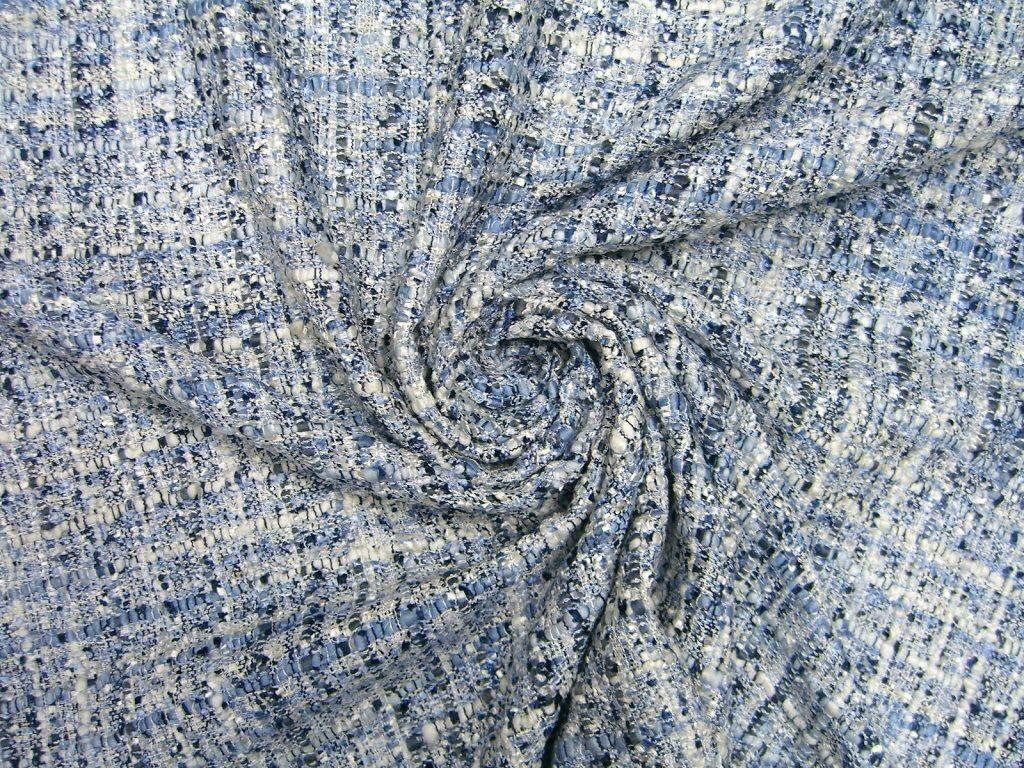 7bc3518bcfdf Плательно-костюмная ткань Сhanel, рогожка / твид бело-голубого цвета ...