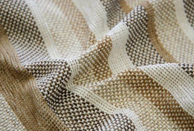 399a68687a54 Самыми популярными производителями остаются Chanel, Versace, Escada, Marni,  Ferretti. Эти торговые марки выпускают ткани превосходного качества, ...